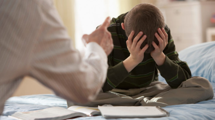 تقليل الأب من كل ما يفعله الطفل