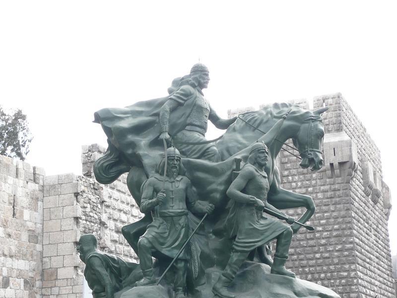 تمثال صلاح الدين الأيوبي دمشق