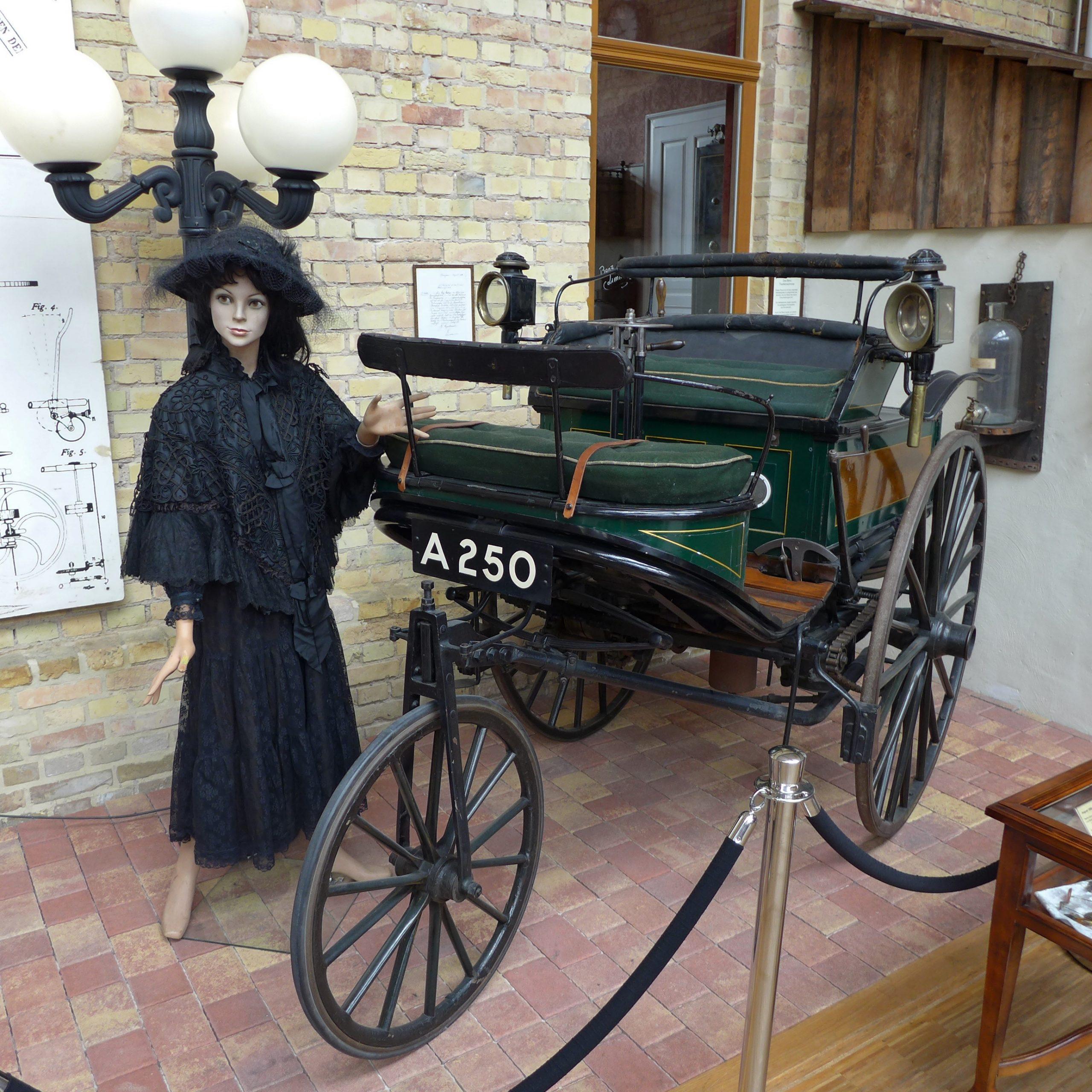 سيارة بينز باتنت موديل 3 محفوظة في متحف العلوم في لندن