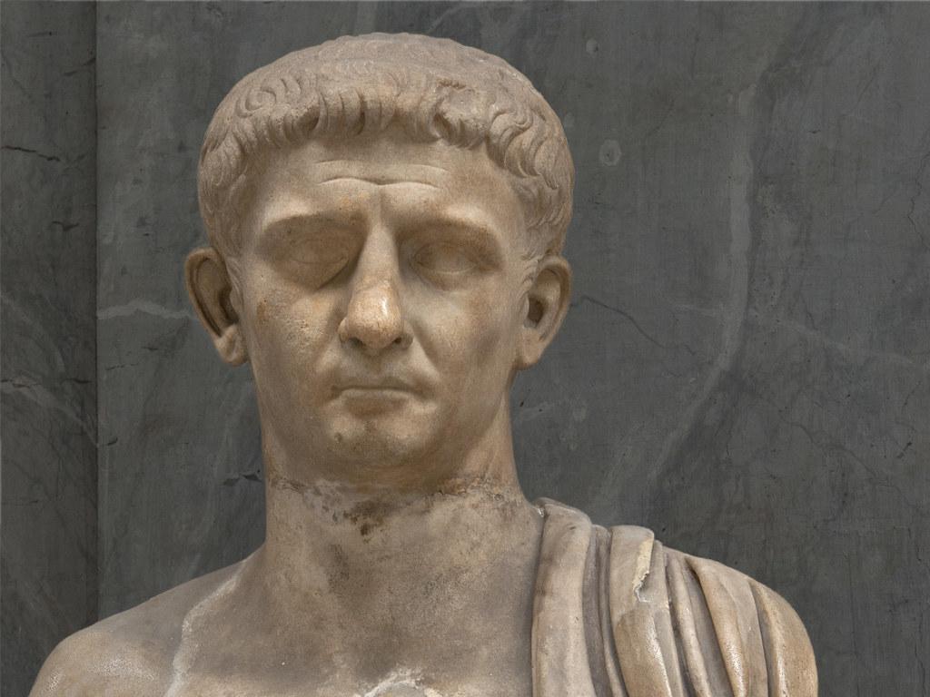 الإمبراطور الروماني تيبيريوس قيصر