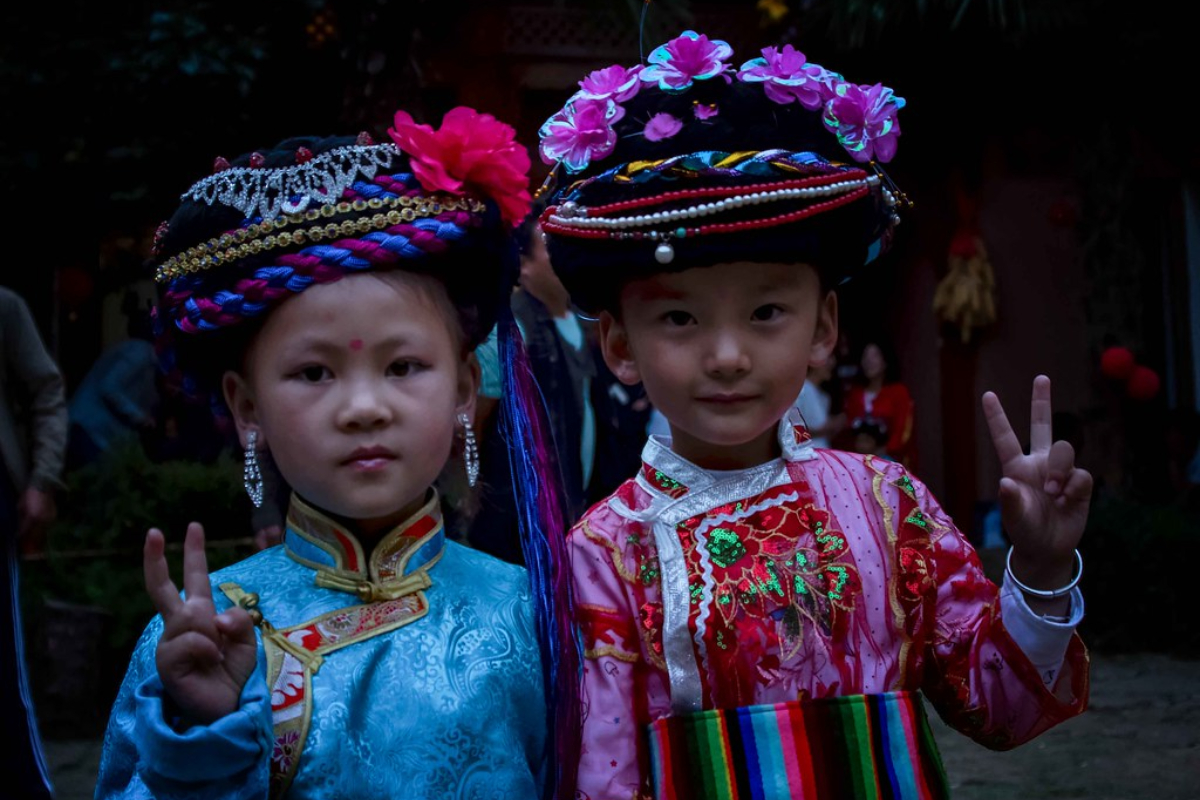 أطفال من شعب الموسو