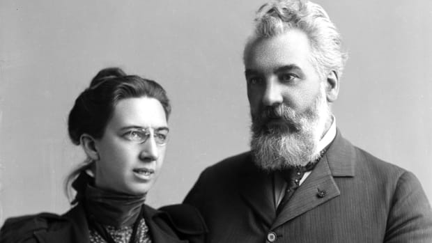 اكسندر جراهام بيل وزوجته مابل هوبارد
