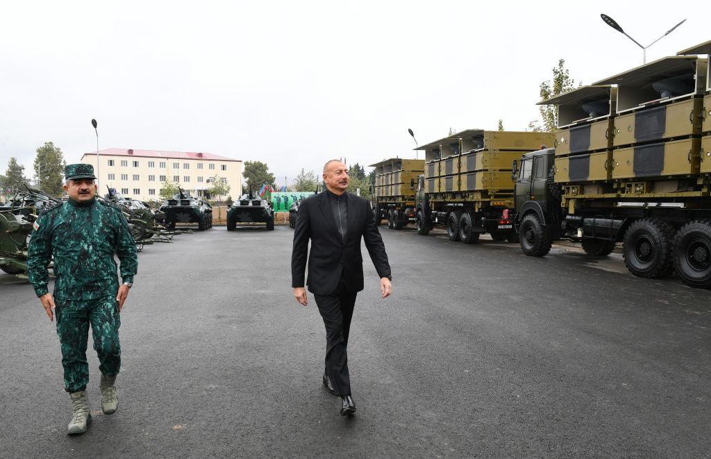 ما أسباب التوترات الأخيرة بين إيران وأذربيجان؟