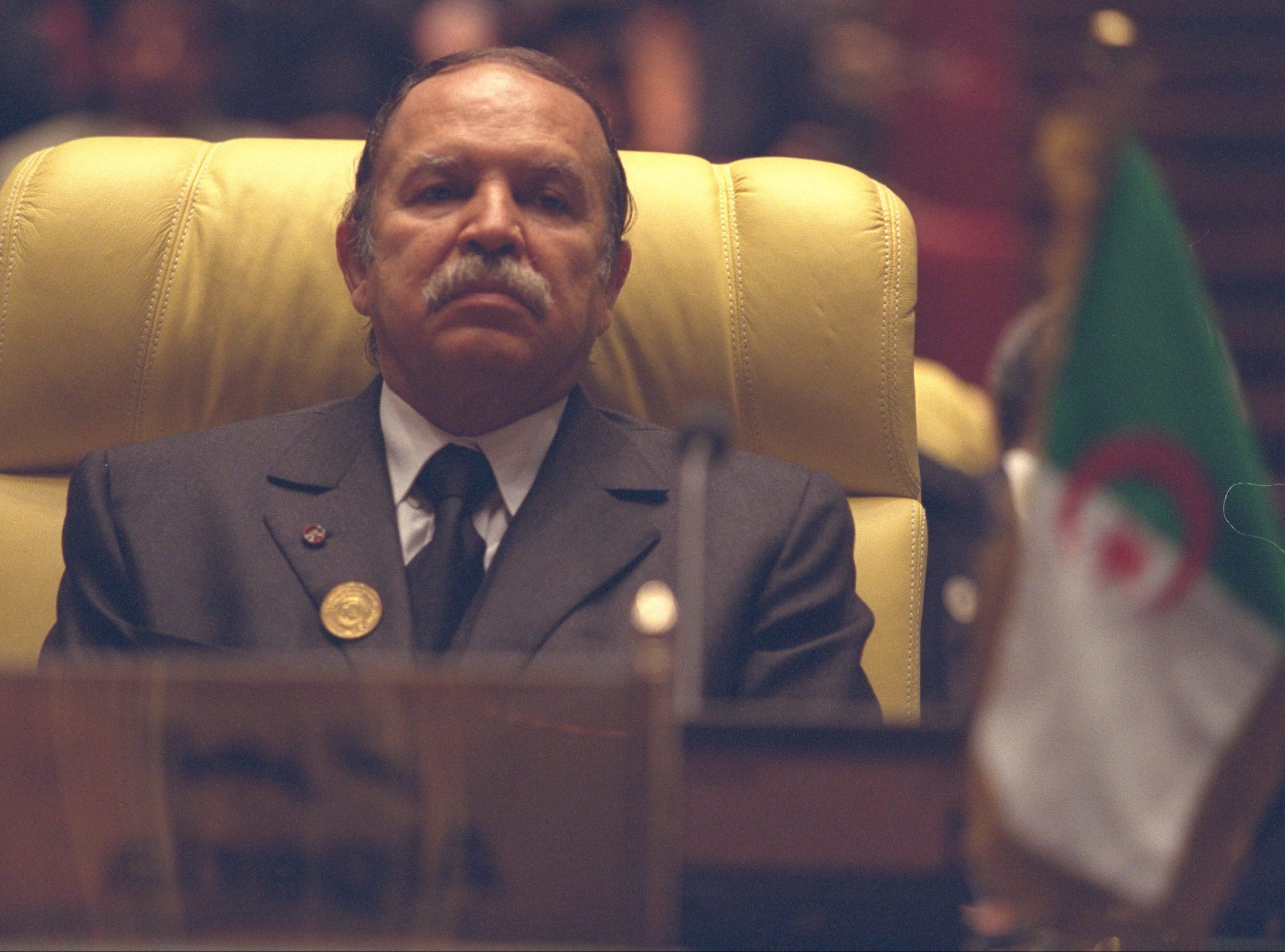 الانتخابات الجزائرية تعيد رجال بوتفليقة للمشهد