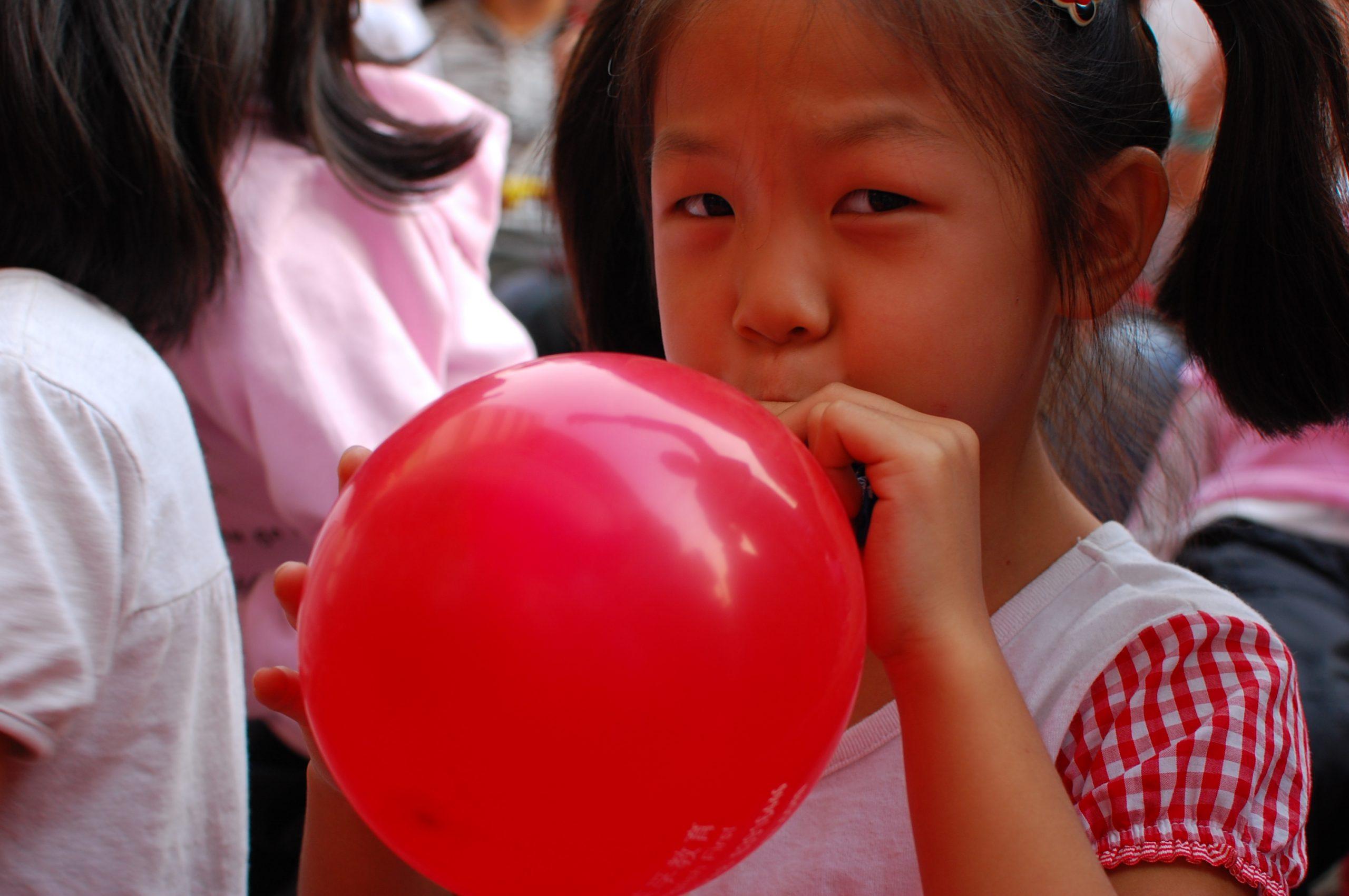 يجب ألا يستنشق الأطفال الغاز دون رقابة