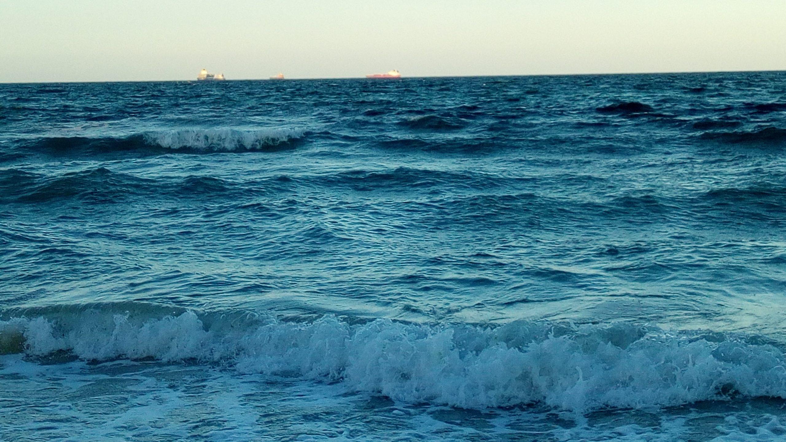 مياه المحيطات مالحة