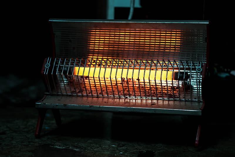 مدفأة تعمل بالأشعة تحت الحمراء